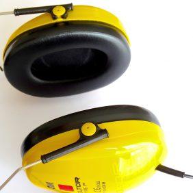 Słuchawki pomagają uciec od hałasu
